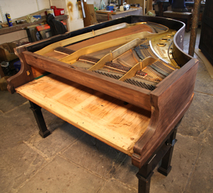 Stripping the Bluthner piano cabinet